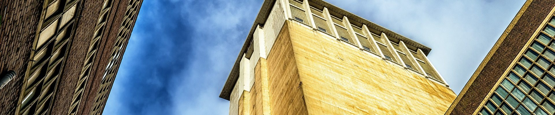 building-1880261_1920
